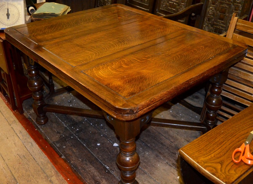 Attrayant Superb Large 1930s Solid Oak Draw Leaf Table With Bulbous Legs £275